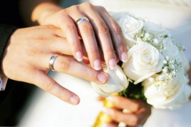 hands-wedding-rings-bouquet-roses-full-hd-wallpaper